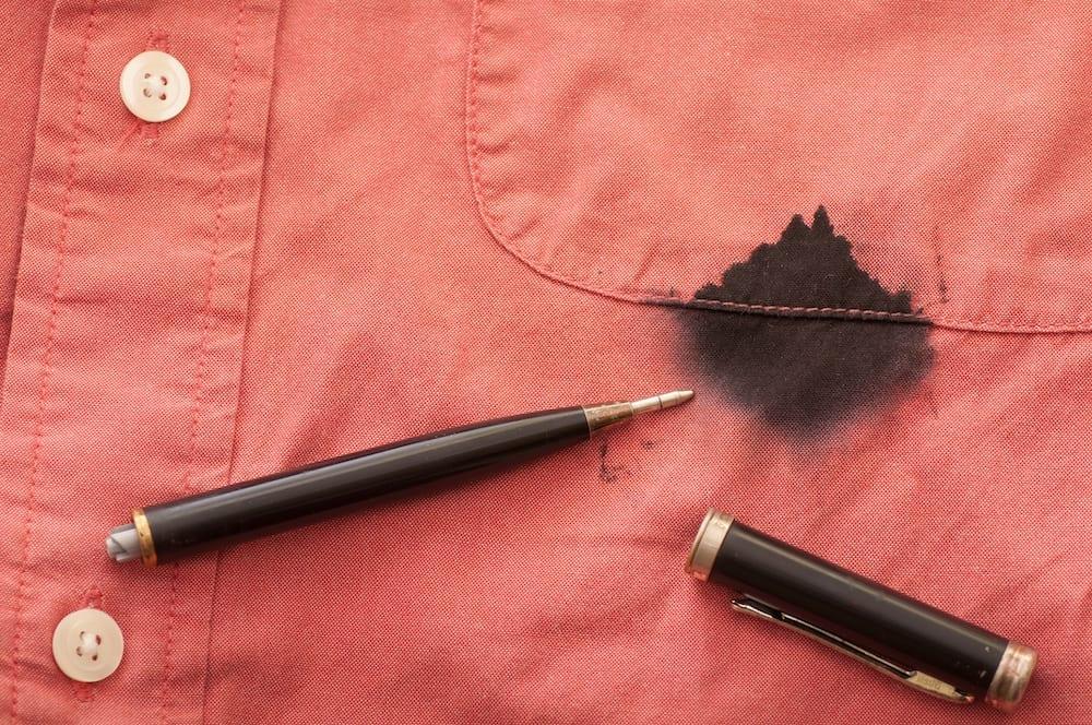 Fjerne kulepenn fra klær